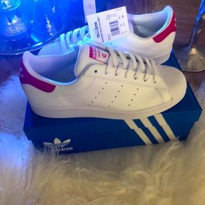 BNWT Adidas Superstan VS..in men's Pwr Red size 9!
